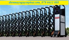 Cổng xếp Inox - B05